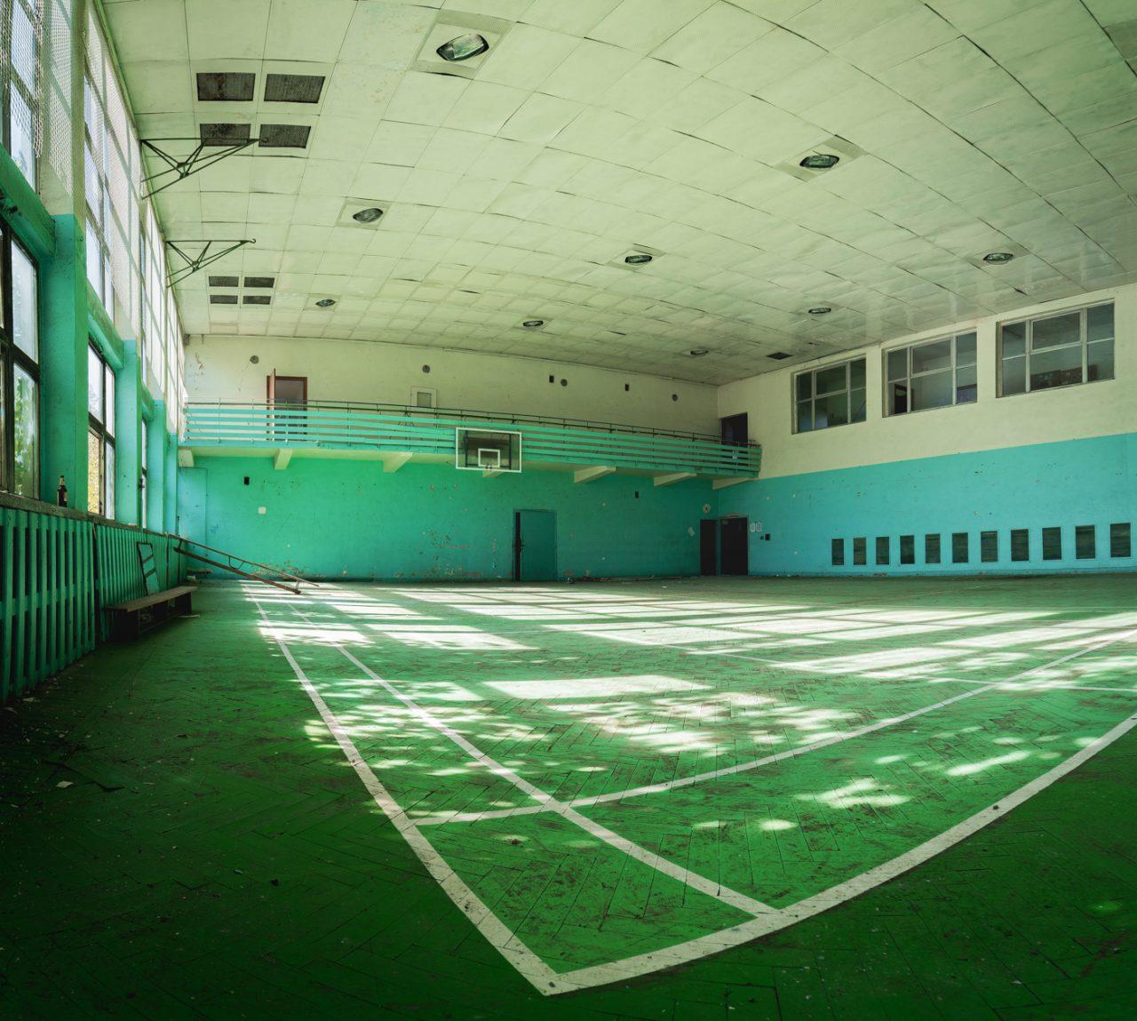 opuszczona hala sportowa